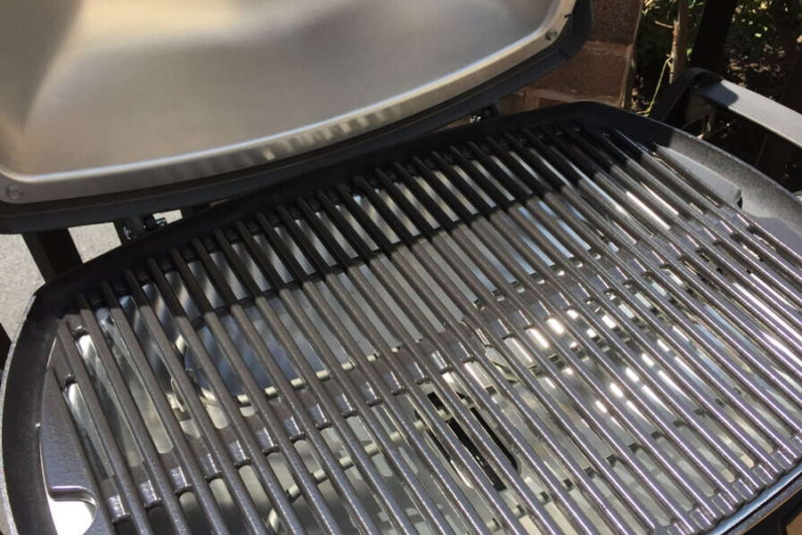Close up of a new Weber Q2400 electric grill for comparing the Weber Q240 vs Q2400