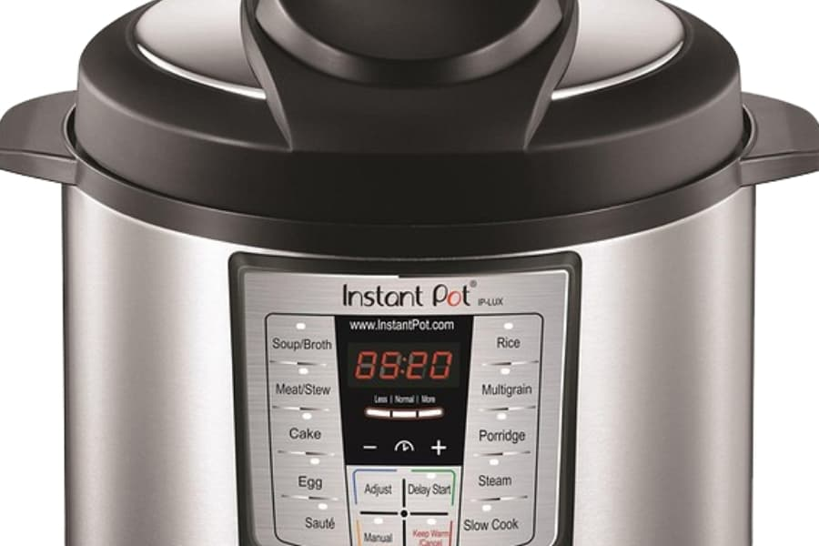 Instant Pot Duo Evo Plus vs Lux: 8 differences compared side by side